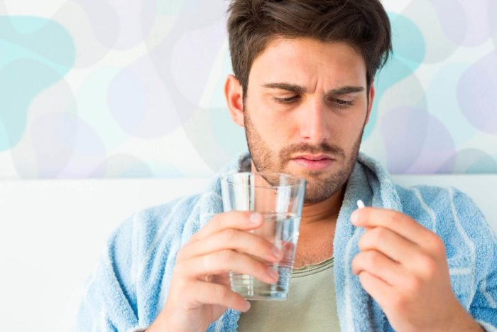 Пьет болеутоляющие препараты