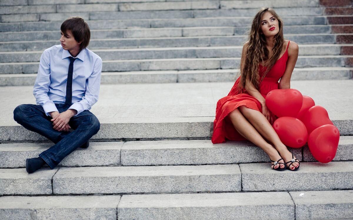 Почему девушка скрывает влюбленность