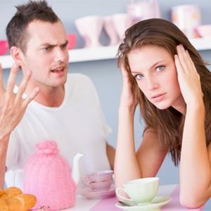 Муж часто унижает