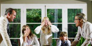 Чего нельзя делать детям во время семейных скандалов