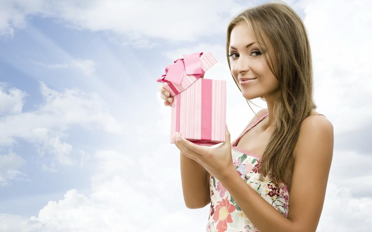Что подарить девушке на первом свидании