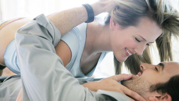 Как дать понять мужчине, что вы созданы для него
