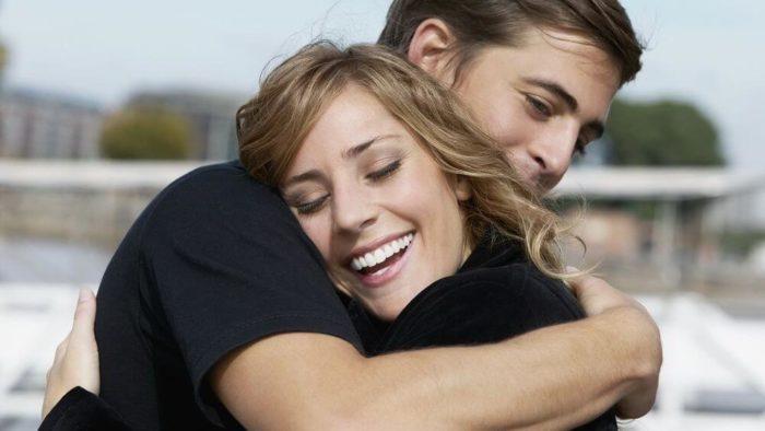 Разница между обожанием и любовью