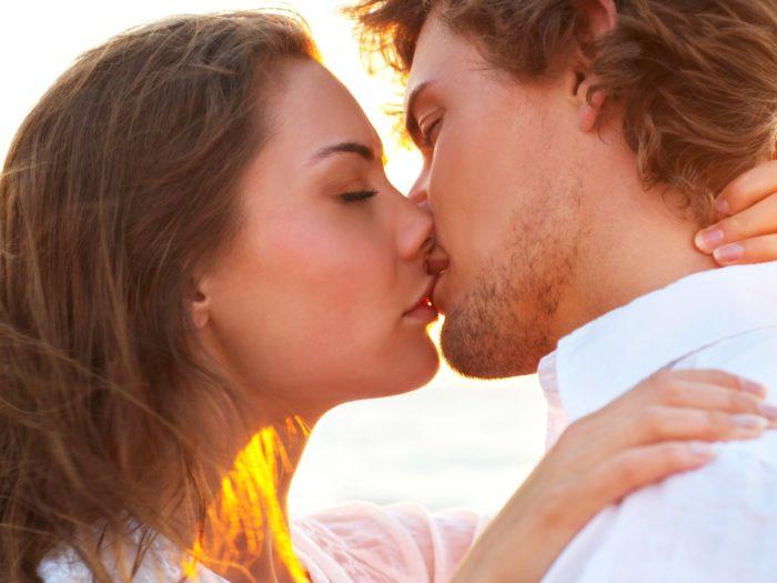 Поцелуй без использования языка