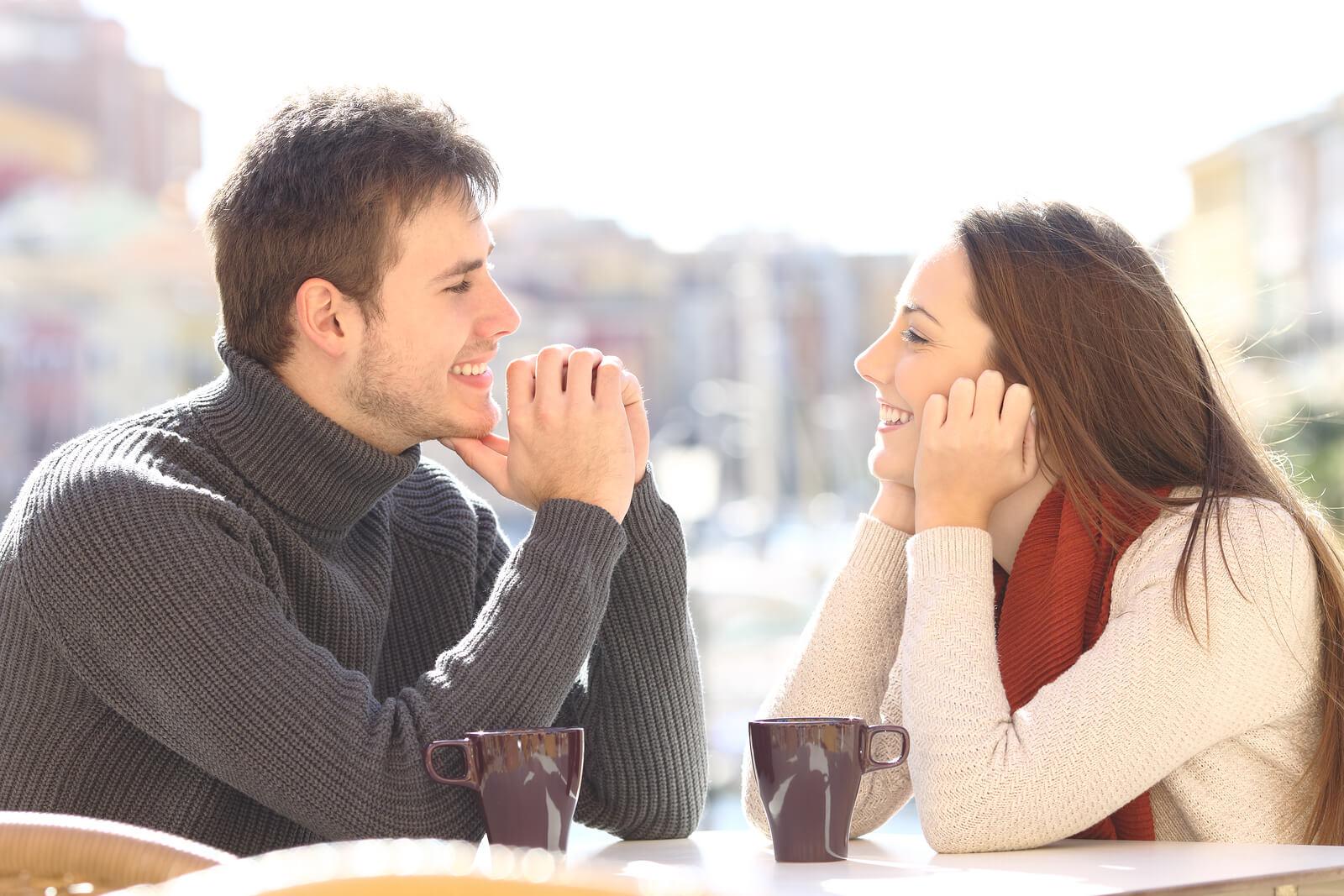 О чем поговорить с девушкой, чтобы покорить ее сердце