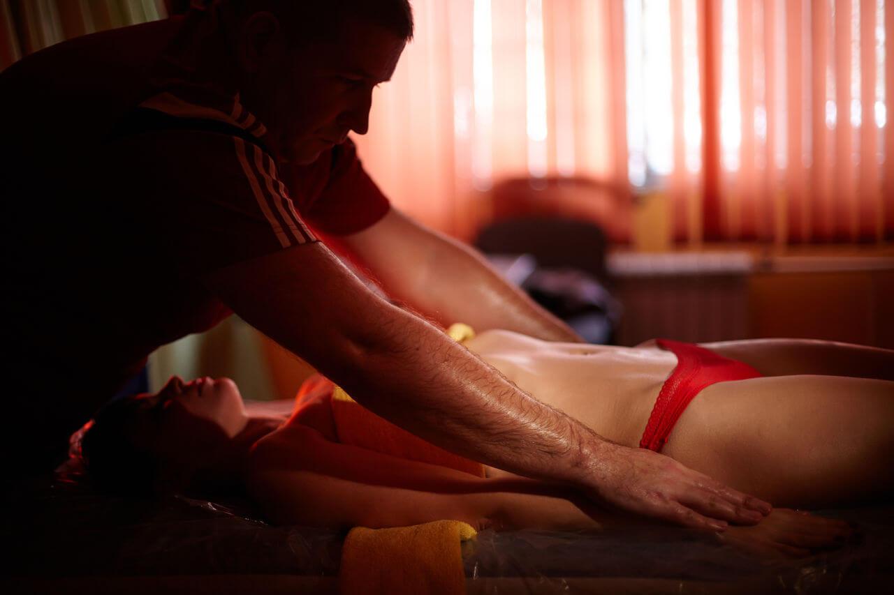 Как научиться делать возбуждающий массаж