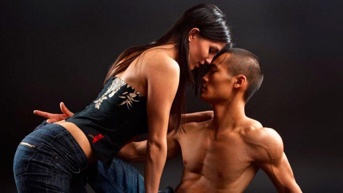 Какие мужчины привлекают девушку-Скорпиона