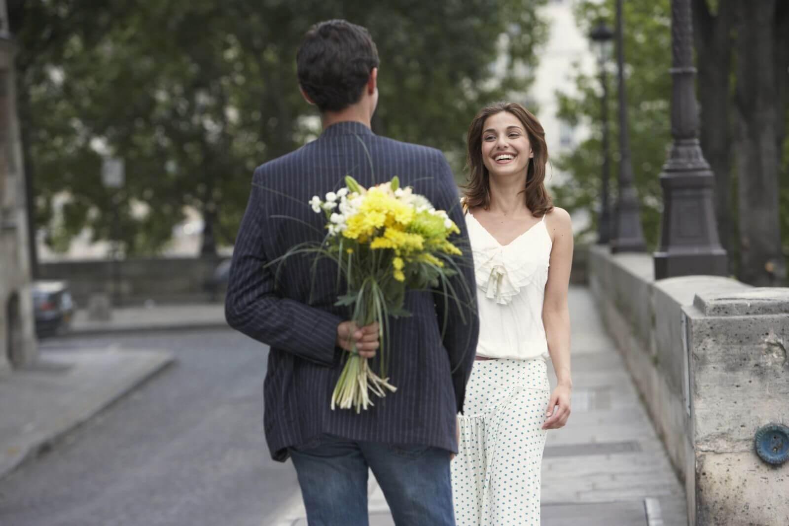Как девушке подобрать удачный наряд на первое свидание