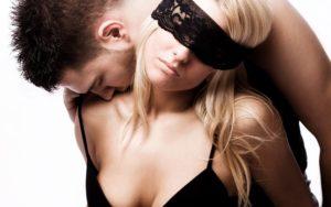 Послушная девушка в интиме