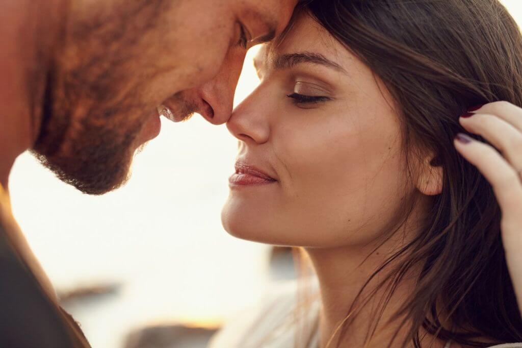 Стоит ли говорить любимому мужчине о своих сильных чувствах