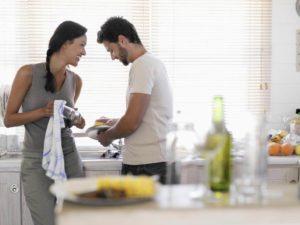 Как себя нужно вести с мужчиной