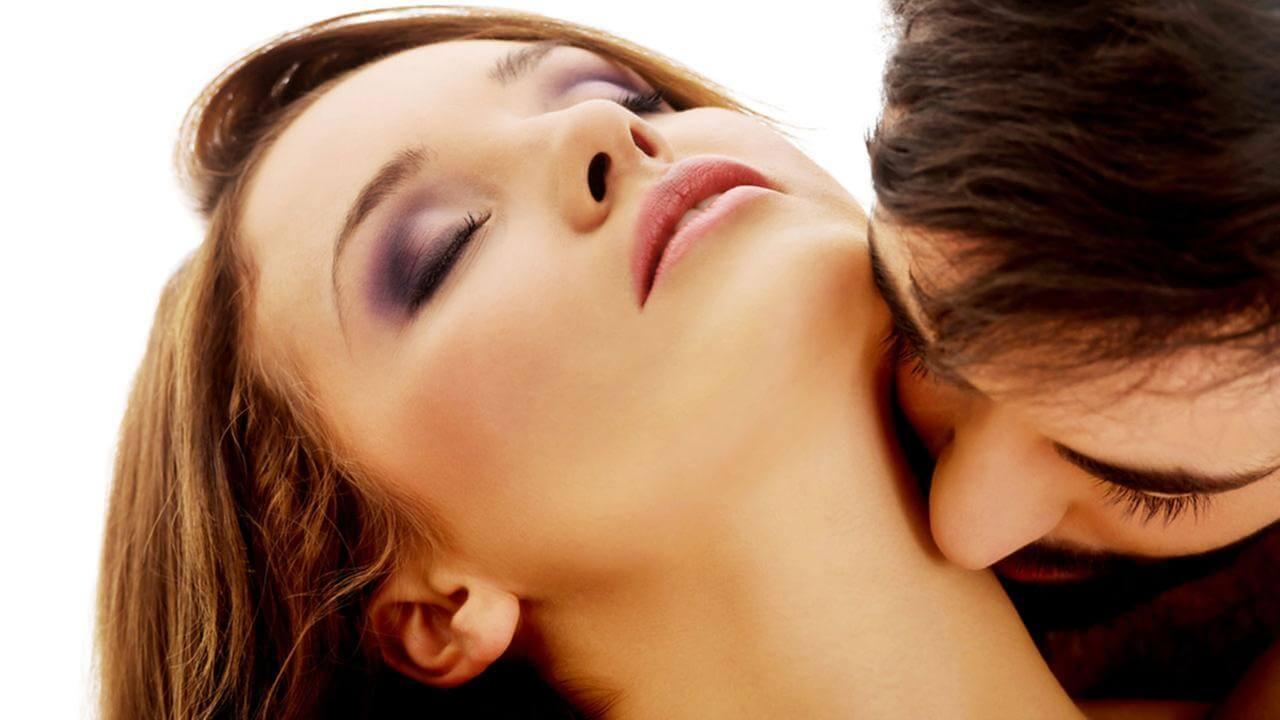 Поцелуй в шею: значение
