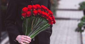 Сколько роз можно дарить маме
