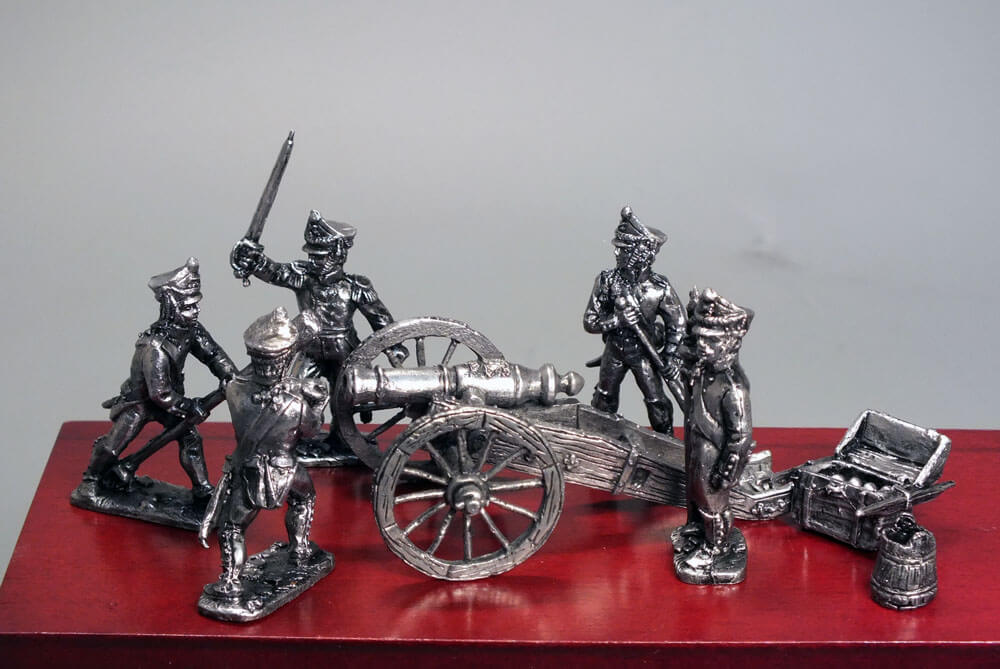 Солдатики из олова
