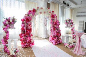 Свадебная арка с шарами