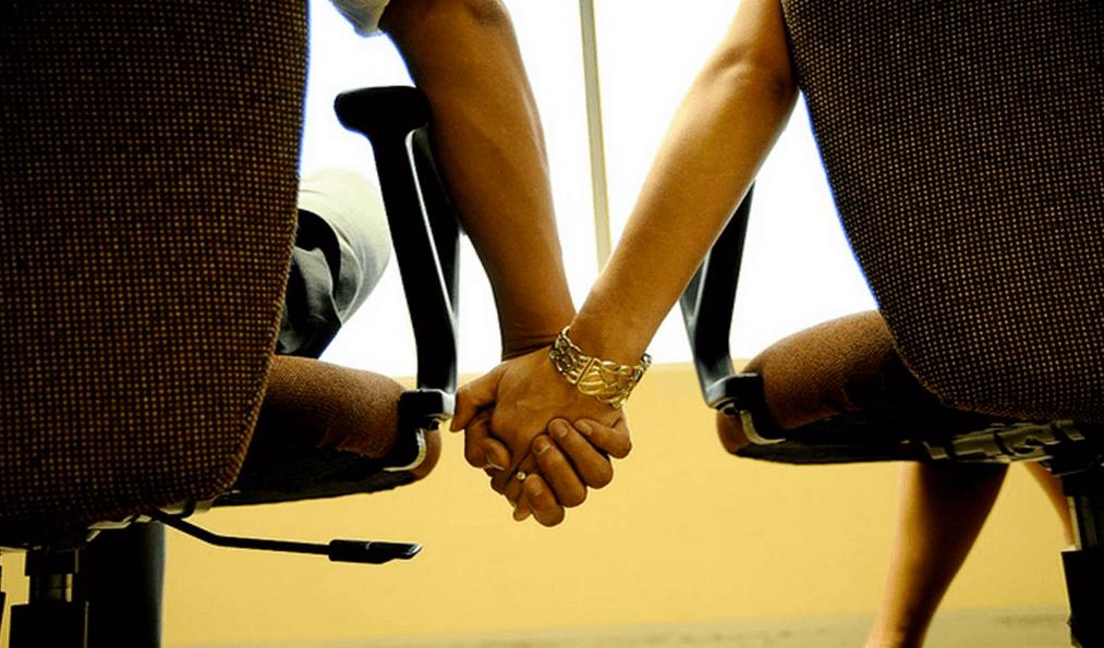 Мужчина-Рак и женщина-Близнецы в работе