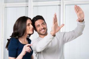 Отношения женщины-Водолея и мужчины-Рака на работе