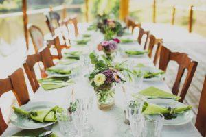 Декор стола для свадьбы у воды