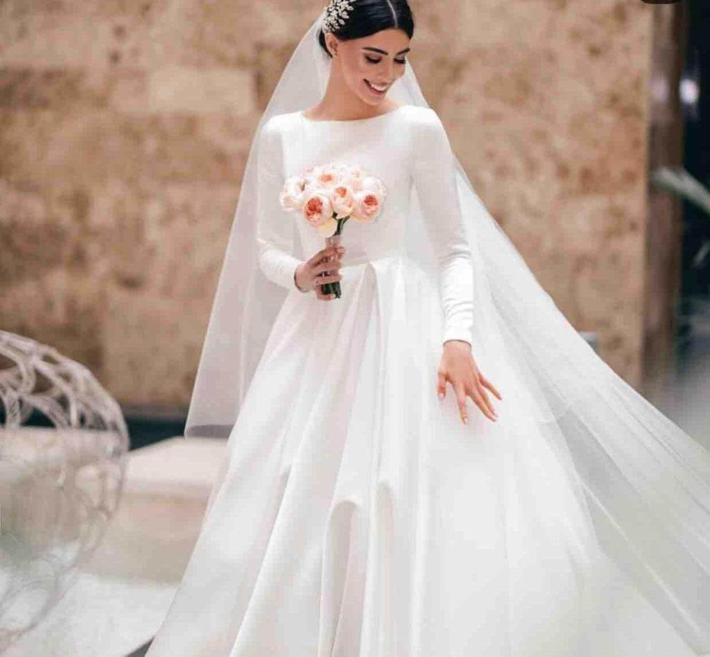 Атласное свадебное платье, вариант 10