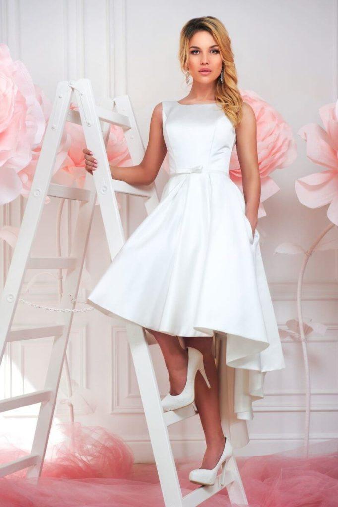 Атласное свадебное платье, вариант 1