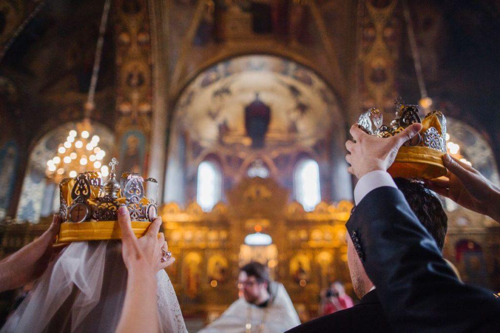 Что делают свидетели на венчании