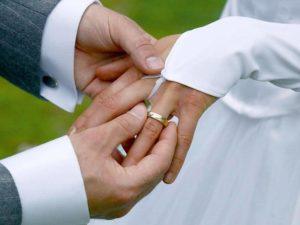 Традиция со свадебными кольцами