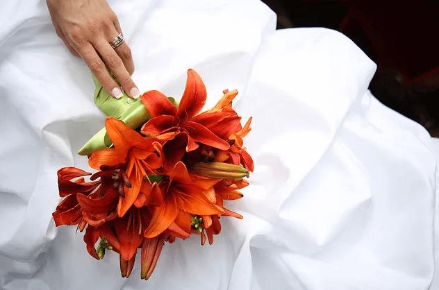 Оранжевый букет невесты, вариант 3