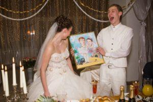 Картина в качестве подарка на свадьбу