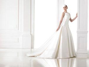 Свадебное классическое платье