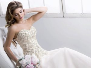Свадебное платье с открытым топом