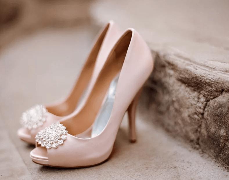 Свадебные туфли бежевые