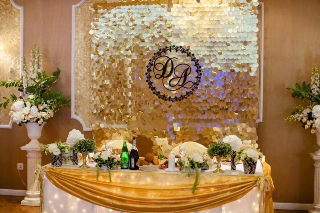 Оформление зала на золотую свадьбу