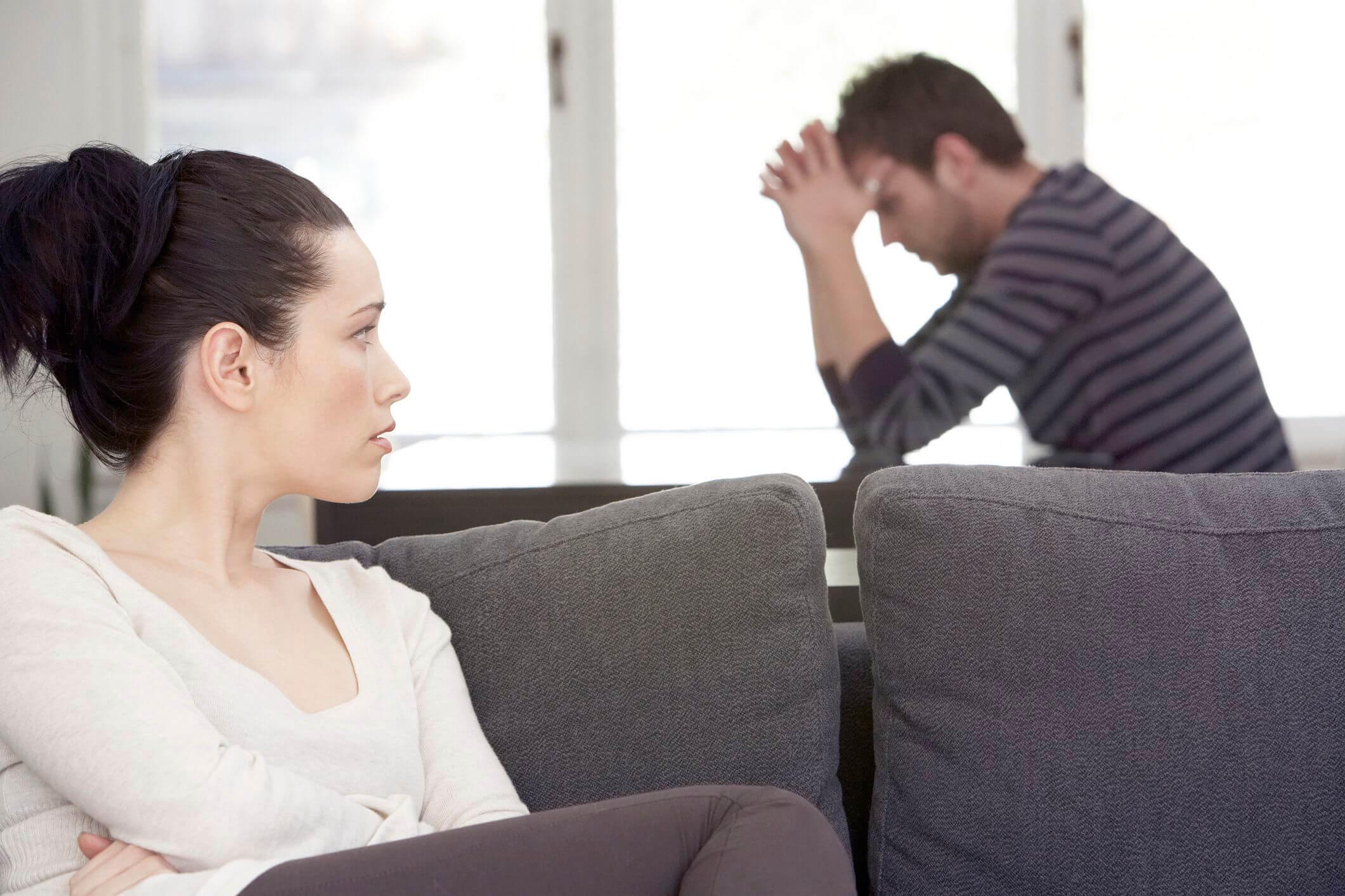 Мужчина перестал общаться без объяснений